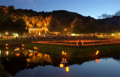 Lichterfest in het park Forstgarten in Kleve